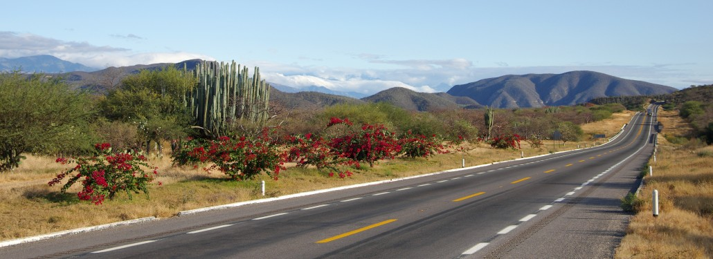 The-open-road-in-Mexico-